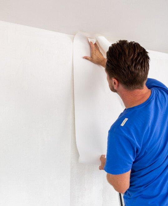 Renoviervlies bzw. Malervlies an Wand, Decken und Dachschrägen kleben